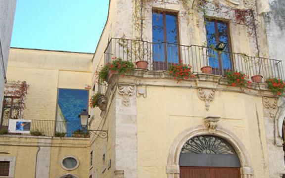 Cassano_delle_Murge_palazzo_marchesale_Miani_Perotti