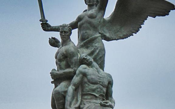 Cassano_delle_Murge_monumento_ai_caduti