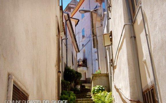 Castel_del_Giudice_centro_storico