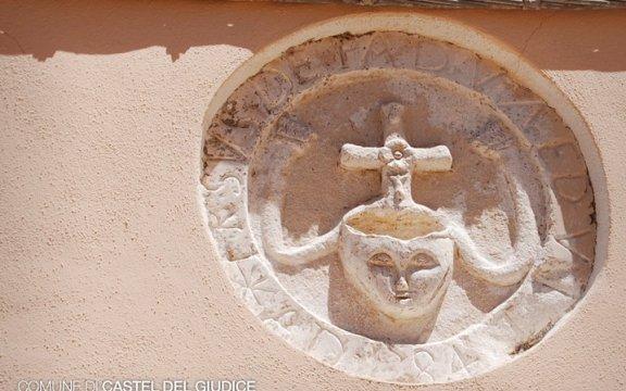 Castel_del_Giudice_dettaglio_chiesa