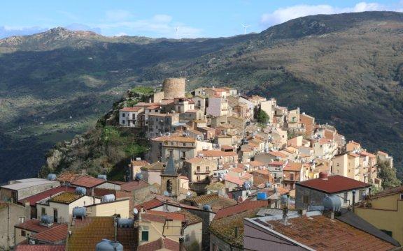 Castel-di-Lucio-panoramica