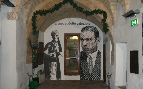 Castellaneta_Museo_Rodolfo_Valentino