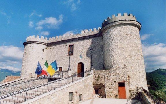 castello_oricola_borghi_autentici_italia_abruzzo