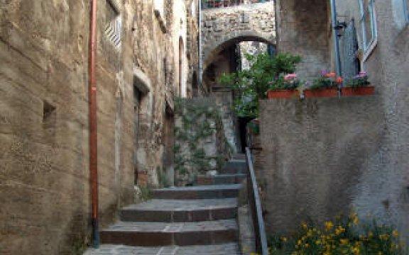 Castelvecchio_Calvisio_Scorcio