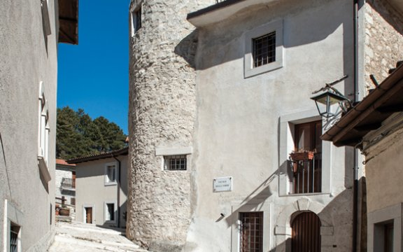 centro-storico-villetta-barrea-borghi-autentici-italia-abruzzo