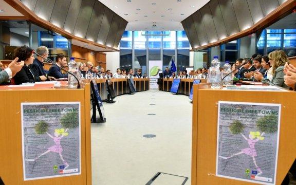 Citta-libere-dai-pesticidi-Parlamento-Europeo-dichiarazione-congiunta