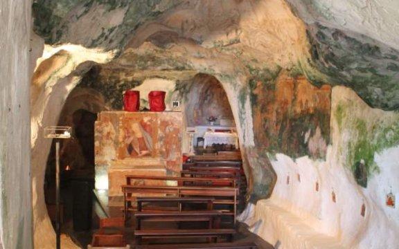 Ruffano-cripta-del-Crocifisso