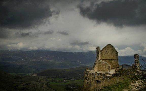 Rocca_di_Calascio-ambientazione-il-nome-della-rosa