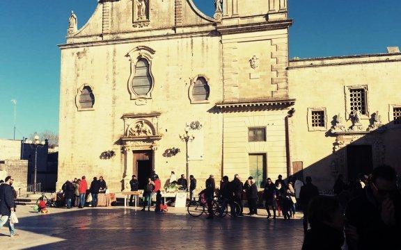 Melpignano, piazza San Giorgio