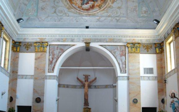 montedinove_chiesa_ interno
