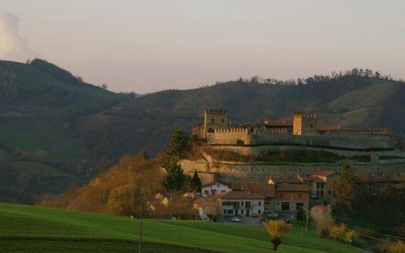 Montesegale-castello