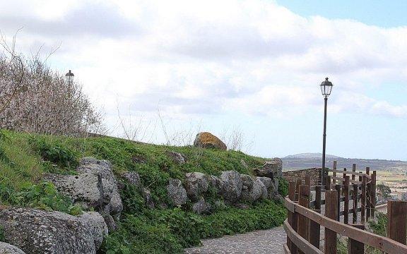 muraglia megalitica Flussio, borghi autentici sardegna