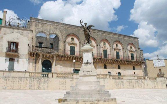 Ruffano-Palazzo-Villani-Vittoria-alata