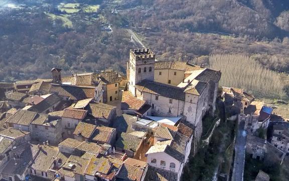 borgo-autentico-Roviano-paesaggio