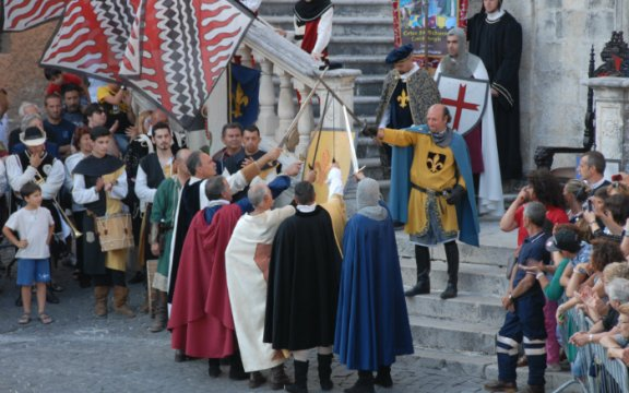 scurcola marsicana corteo storico medievale