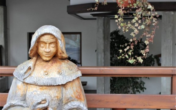 Sutrio-statua-di-legno