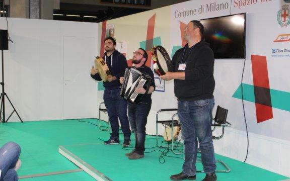 Fonarà-stand-Milano