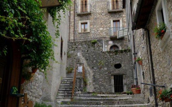 villetta_barrea_centro_storico_borghi_autentici_italia_abruzzo