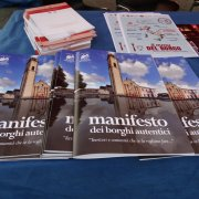 borgo autentico di saluzzo piemonte festa nazionale bai 2015 manifesto borghi autentici
