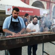 borgo autentico di saluzzo piemonte festa nazionale bai 2015 arrosticini abruzzo