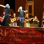 festa-nazionale-borghi-autentici-2017-biccari-cantori-di-carpino