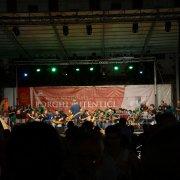borgo autentico di saluzzo piemonte festa nazionale bai 2015 concerto grande orchestra occitana