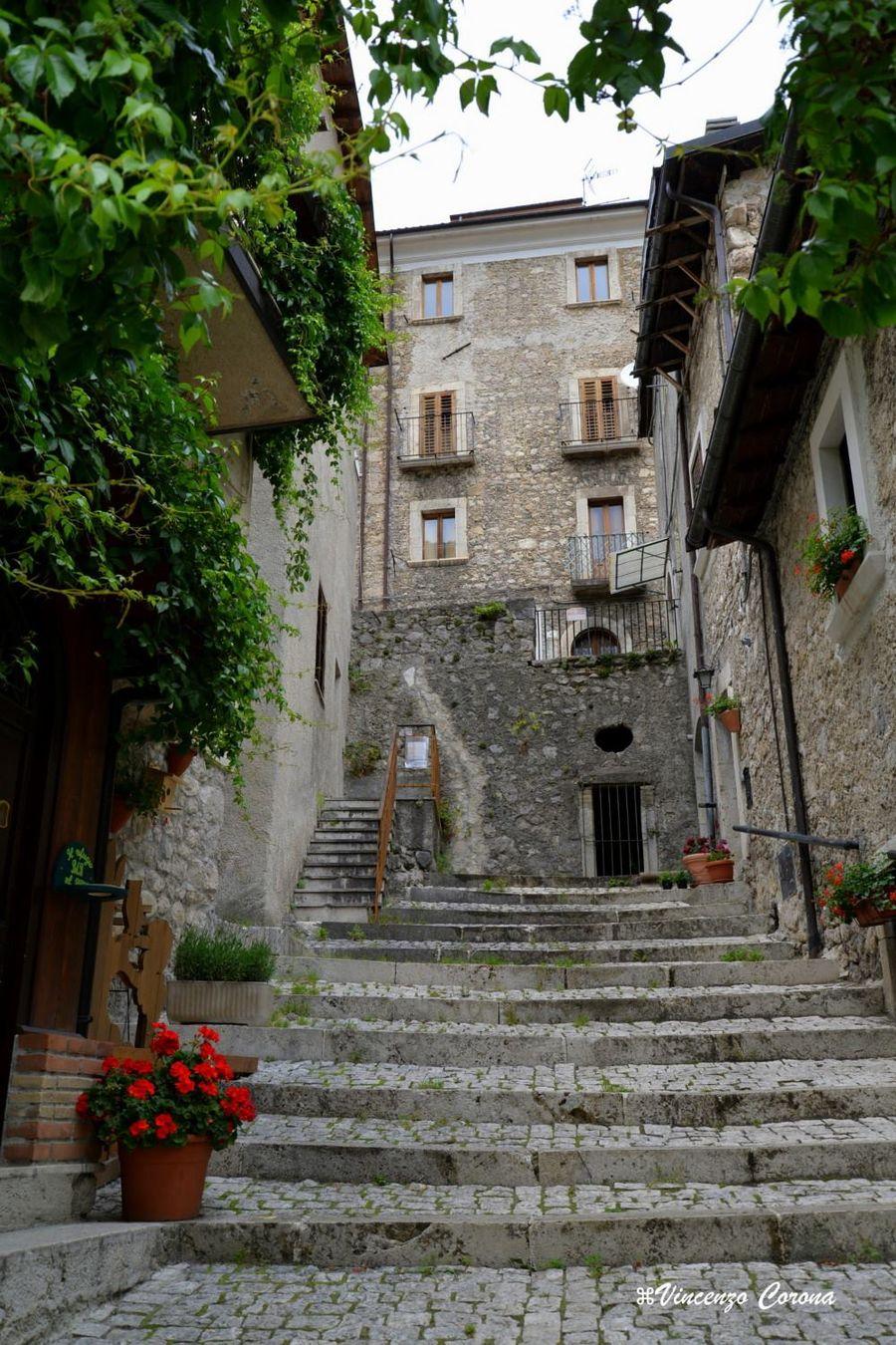 Borgo for All origine arredi autentici